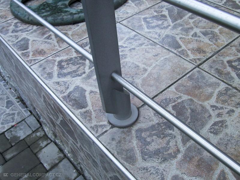 Venkovní kovové zábradlí na terasy – General Compact s.r.o.
